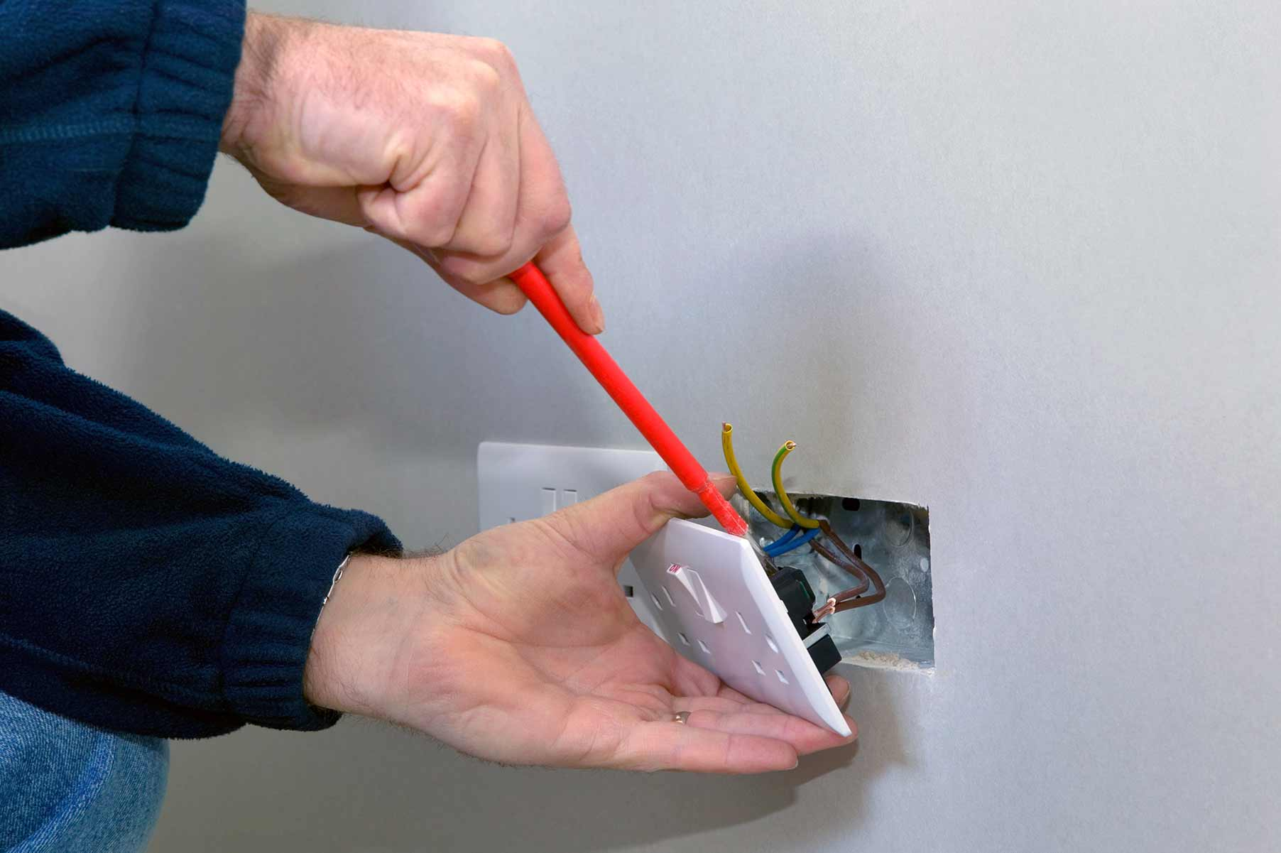Our electricians can install plug sockets for domestic and commercial proeprties in Winchester and the local area.